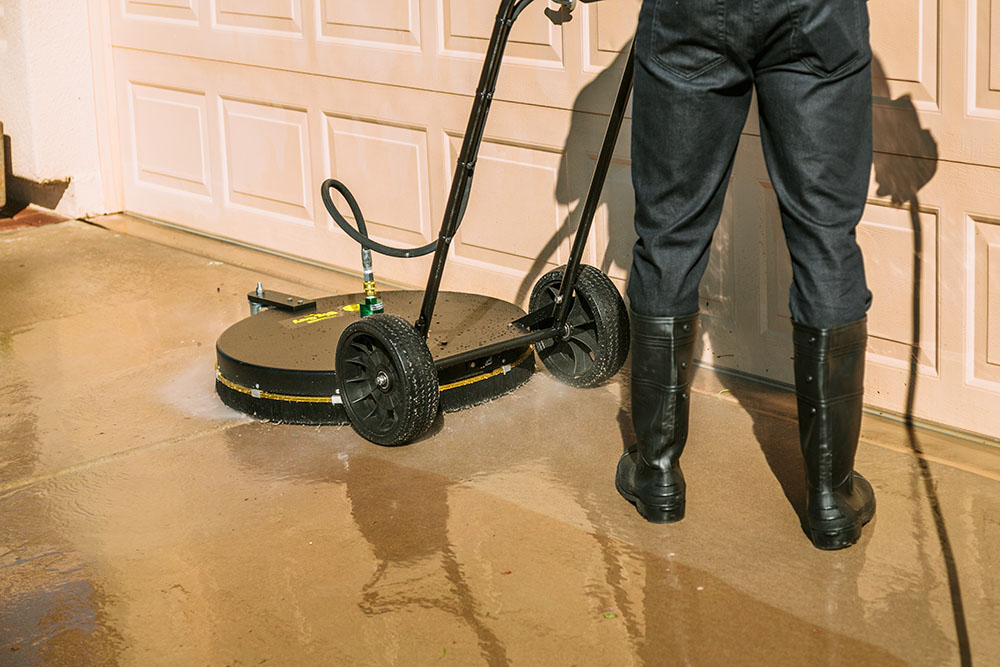 concrete-cleaner-commercial-window-washing-peoria